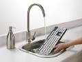 washable-keyboard-wasserhahn