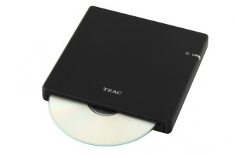 TEACs tragbarer Slimline-Disc-Player und -Brenner eignet sich als externes Backup-System (Foto: TEAC).