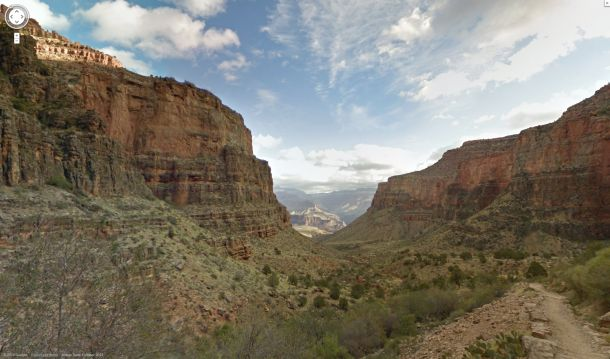 Google hat jetzt die mit den Trekker genannten, in Rucksäcken untergebrachten Street-View-Kameras gemachten Aufnahmen des Grand Canyon veröffentlicht (Bild: Google).
