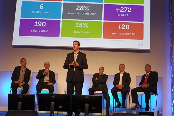 Dell-Manager und Chefs der Tochterunternehmen stellen die Strategie von Dell vor.
