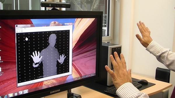 Microsofts Kinect erlaubt die Steuerung des PCs über Gesten. Die Technik könnte eines Tages auch in Unternehmen zum Einsatz kommen. (Foto: Evoluce)
