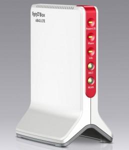 """Mit der Fruitz!""""Box 6842 LTE richtet sich AVM an Nutzer, die keinen herkömmlichen Breitbandanschluss via DSL- oder Kabel bekommen können (Bild: AVM)"""