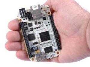 Der BeagleBone ist ein kleiner Linuxrechner auf Basis eines TI-Prozessors (Bild: TI)