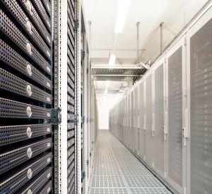 Host Europe bietet seine Root Server mit 24 bis 128 Gbyte Ram und 4 bis 32 Cores jetzt zu Preisen zwischen 49 und 399 Euro an (Bild: Host Europe).