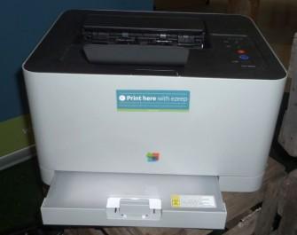 Auf diesem armen, kleinen Drucker könnte auf der CeBIT 2013 die Revolution im Druckmanagement begonnen haben (Bild: ITespresso).