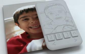 braille-smartphone