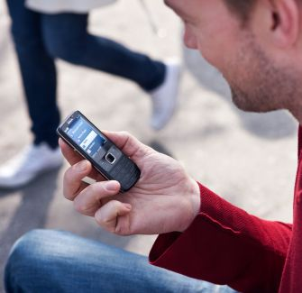 Alle ab 22. Mai neu geltenden Mobilfunktarife der Deutschen Telekom umfassen auch ein Smartphone (Bild: Deutsche Telekom).