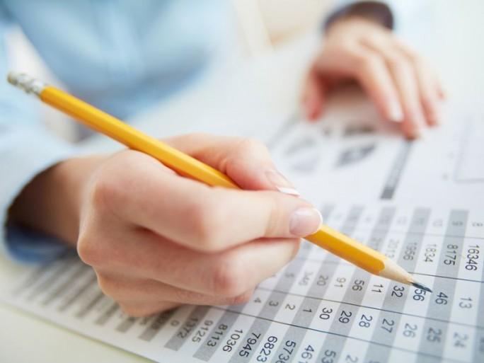 Buchhaltung (Bild: Shutterstock / Pressmaster)