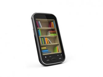 e-books-smartphone (Bild: Shutterstock/Sashkin)