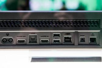 Die Anschlüsse auf der Rückseite der Xbox One. (Foto: CNET.com).