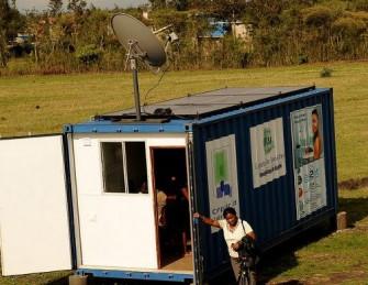"""Eine """"Zubabox"""" des Projekts Computer Aid International, das sich schon länger um die Vrsorgung ländlicher Regionen in Afrika mit Internetzugängen kümmert (Bild: Computer Aid International)."""