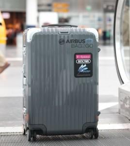 Mit Barcaode auf dem Display geht Bag2Go alleine auf Reisen (Bild: T-Systems).