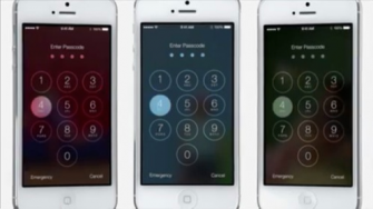Wie erwartet arbeitet iOS 7 viel mit Schwarz und Weiß - aber eben nicht nur mit Schwarz und Weiß (Screenshot: Gizmodo.de).