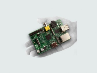 raspberry-pi-in-hand