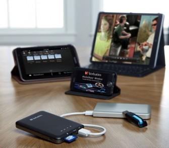 Über die WLAN-Funktion des MediaShare Wireless können bis zu fünf Geräte gleichzeitig Daten untereinander austauschen (Bild: Verbatim).