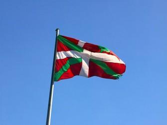 baskenland-flagge-shutterstock-800