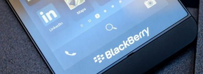 Blackberry (Bild: Josh Miller / CBS Interactive)