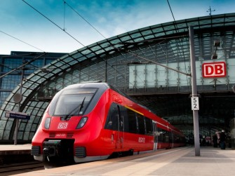 Die Deutsche Bahn plant ab 2016 für alle Fahrgäste kostenloses WLAN in ICEs (Bild: Deutsche Bahn AG)