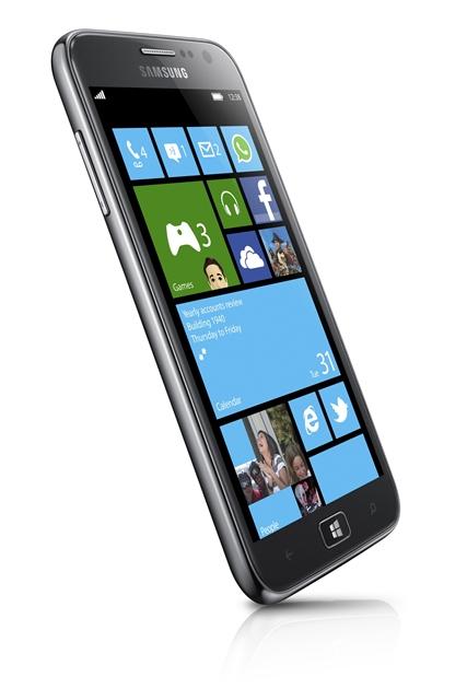 Auch wenn Samsung nicht viel Aufhebens um Windows Phone macht, Modelle wie das Samsung Ativ S oder Omnia W setzen auf Windows Phone (Foto: Microsoft/Samsung)