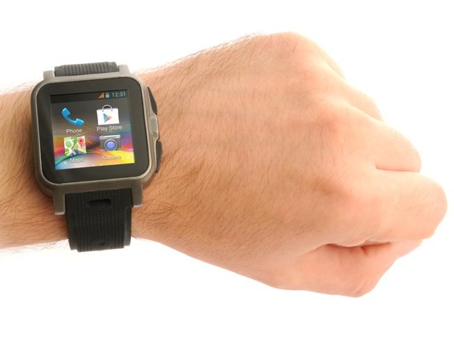 Die Smartwatch Callisto 100 kann unabhängig von einem Smartphone genutzt werden. (Bild iconBIT)