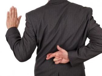 em IT-Experten Andreas R. aus Ingolstadt wird die Abgabe falscher eidesstattlicher Versicherungen im Zusammenhang mit der Redtube-Abmahnwelle vorgeworfen (Bild: Shutterstock/Brian A Jackson).