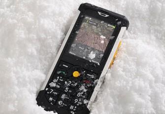 Catphone B100 im Schnee