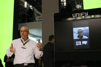 Holger Stotz zeigt auf der CeBIT, wie Unify Project Ansible in wenigen Monaten auf den Markt bringen will (Bild: ITespresso).