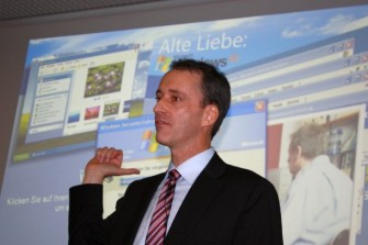 """""""Sorgenkinder"""", so Microsoft-Manager Oliver Gürtler auf der CeBIT, """"sind in Bezug auf Windows XP  vor allem kleine und mittelgroße Unternehmen"""" (Bild: ITespresso)."""