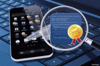 Karsten Sohr und Christian Liebig von der Uni Bremen haben Kommunikationsverhalten und Software-Code mobiler Web-Apps getestet (Bild: Otaris Interactive Services GmbH)