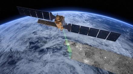 Mit Sentinel-1A, ist der erste Satellit, der die Big-Data-Plattform befüllen soll, seit Anfang April im Orbit (Bild: ESA).