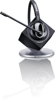 Das Sennheiser Headset DW Pro 1 arbeitet mit der Funktechnik DECT und wurde von Nuance für den Einsatz mit Dragon Naturally Speaking 12 getestet und für gut befunden. Damit kann man auch in mehreren Metern Entfernung vom  PC diktieren. Durch die Geräuschunterdrückung ist es laut Sennheiser auch für die Arbeit in geräuschvoller Umgebung geeignet. Das Headset kostet um die 300 Euro (Foto: Sennheiser)
