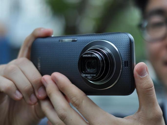 Samsung Galaxy K Zoom (Bild: Samsung)