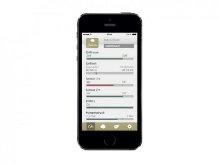 Über die iOS-App kann der Nutzer den Pellets-Füllstand überwachen und die Selbstreinigung aktivieren (Bild: Grillson).