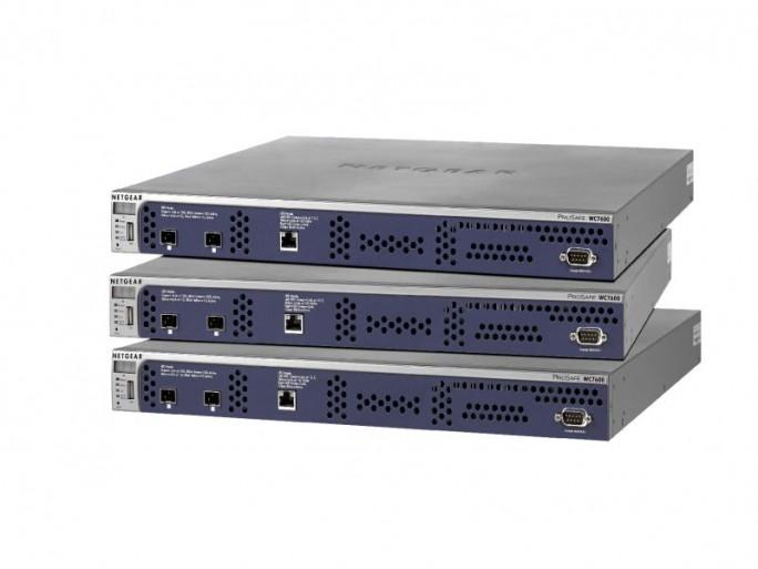 Mehrere WC7600 können verbunden einige tausend WLAN-Nutzer betreuen (Bild: Netgear)