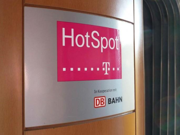 Bei der WLAN-Versorgung in ICE-Zügen bleibt die Deutsche Telekom exklusiver Partner der Bahn (Bild: Deutsche Bahn).