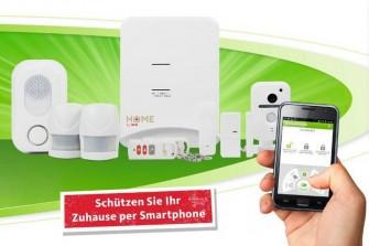 Das Starterpaket von SmartHome Sicherheit umfasst unter anderem eine Steuerungszentrale, eine Sirene, eine WLAN-fähige Kamera und zwei Bewegungsmelder (Bild: Mobilcom-Debitel).