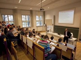 Vorlesung an der Hochschule für Telekommunikation Leipzig (HfTL).