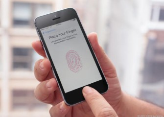 iPhone 5S mit Fingerabdrucksensor (Bild: CNET).