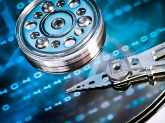 storage-festplatte (Bild: Shutterstock / kubais)