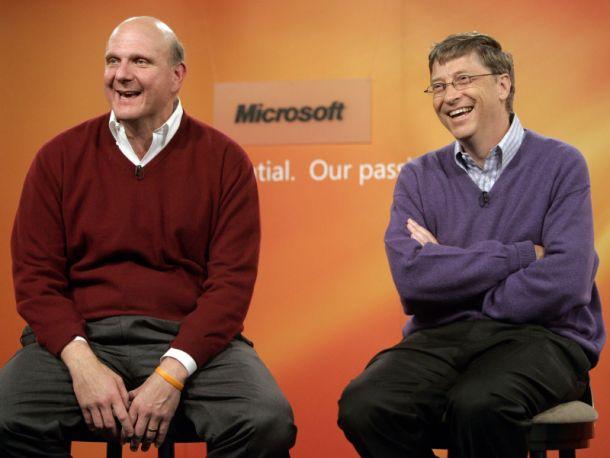 Steve Ballmer und Bill Gates bei einer Microsoft-Pressekonferenz im Juni 2006 in Redmond (Bild: Robert Sorbo/Microsoft).