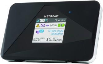 Die LCD-Anzeige des Netgear Aircard AC785 stellt neben der Akkulaufzeit und dem Netzwerknamen auch die Anzahl der aktuell verbundenen Nutzer sowie das verbrauchte Datenvolumen an (Bild: Netgear).