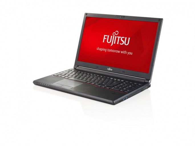 Fujitsu Lifebook E554 (Bild: Fujitsu)