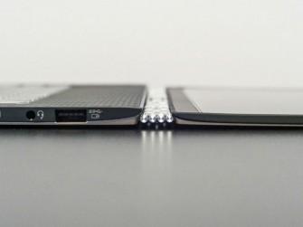 Durch das neuartige Scharnier lässt sich das Yoga 3 Pro auch ganz flach auf den Tisch legen (Bild: Lenovo).