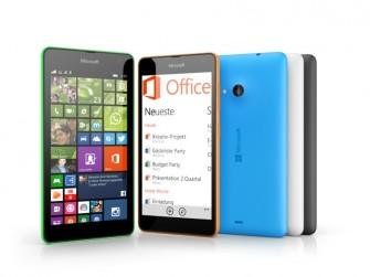Das Lumia 535 bringt die Microsoft Office Apps und 15 GByte Cloud-Soeicher mit  (Bild: Microsoft)