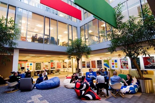 Immer freundlich, gut gelaunt und sehr mächtig: Die Google-Niederlassung in Dublin. (Foto: Google)