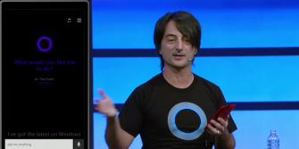 Microsoft-Manager Joe Belfiore bei der Vorstellung von Cortana für Windows Phone auf der Microsoft Build 2014 (Screenshot Nick Statt/CNET.com)