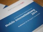 Über die Hälfte der Deutschen nutzt Internet inzwischen auch mobil