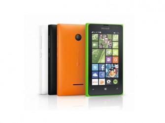 Das Microsoft Lumia 435 verfügt über ein 4-Zoll-WVGA-LCD mit einer Auflösung von 800 mal 480 Pixel (Bild: Microsoft)