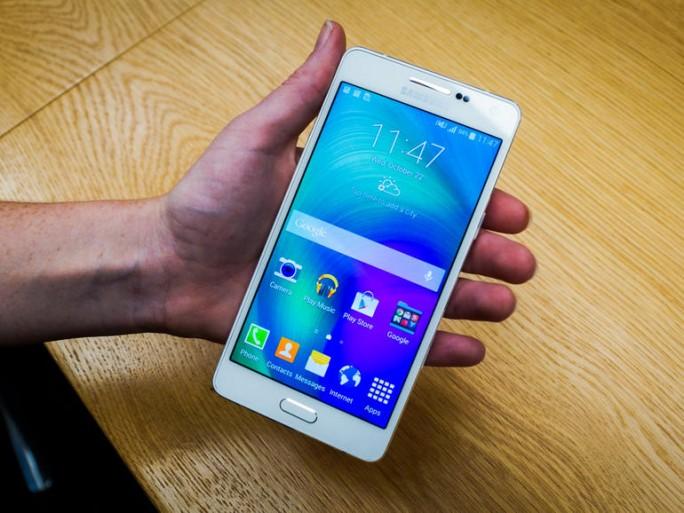 Samsung Galaxy A5 (Foto: CNET).