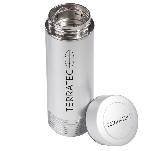 In der Thermoskanne Terratec HotPot 1200 ist ein Akku untergebracht, der sich mit der Energie der heißen Flüssigkeit auflädt und dann Mobilgeräten als Zusatzakku dienen kann (Bild. Terratec).
